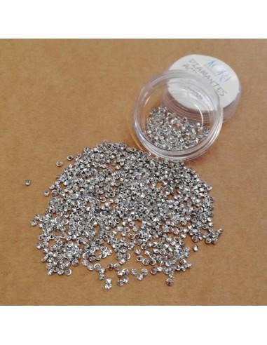 Diamantes acrílicos. Plateados 2,5 mm.